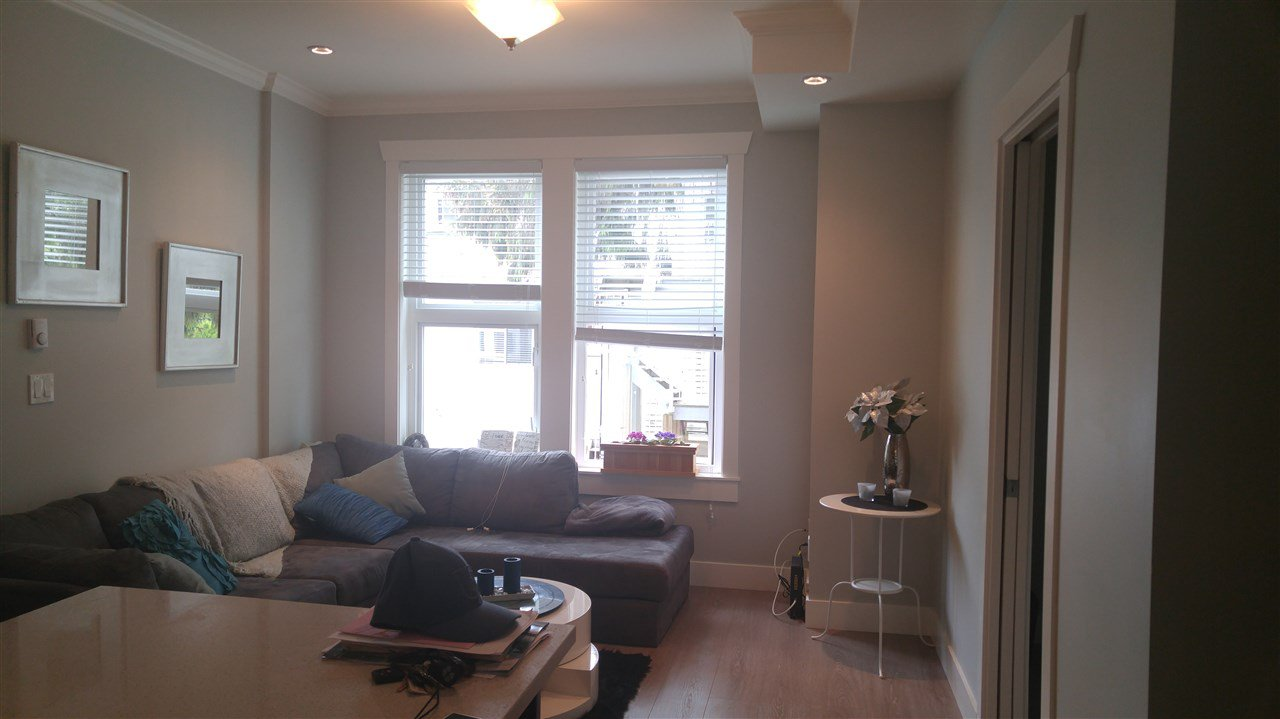 Photo 10: Photos: 5488 201A St in Langley: Langley City Townhouse for rent