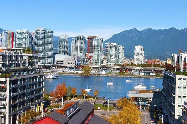 "Main Photo: 1101 88 W 1ST Avenue in Vancouver: False Creek Condo for sale in ""THE ONE"" (Vancouver West)  : MLS®# R2234746"