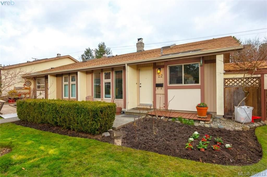 Main Photo: 22 4140 Interurban Road in VICTORIA: SW Strawberry Vale Townhouse for sale (Saanich West)  : MLS®# 388613