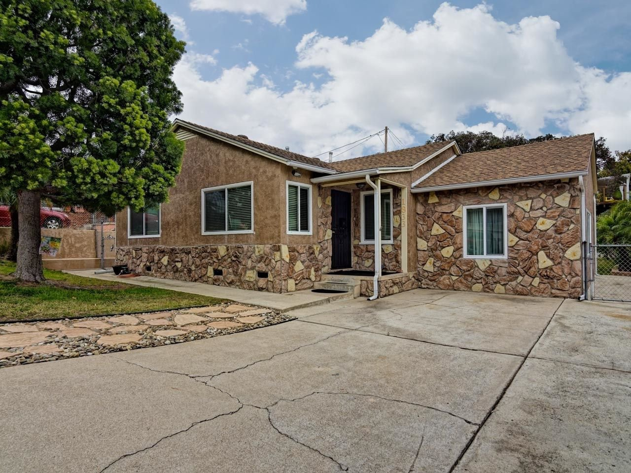 Main Photo: CITY HEIGHTS House for sale : 3 bedrooms : 1833 Crenshaw Street in San Diego