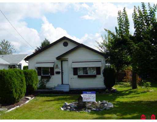 Main Photo: 9398 COOTE ST in Chilliwack: Chilliwack E Young-Yale House for sale : MLS®# H2503245