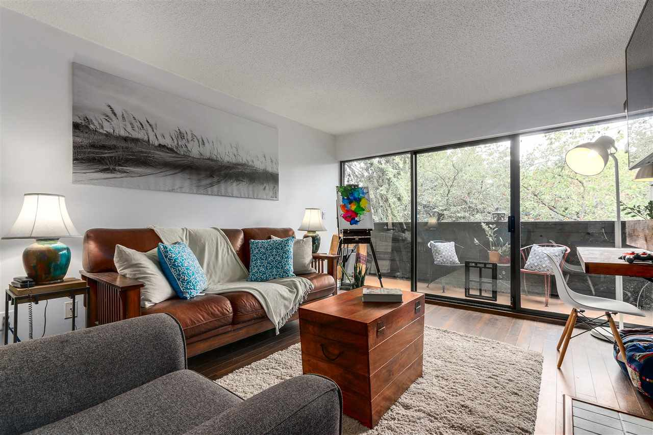 "Main Photo: 209 330 E 7TH Avenue in Vancouver: Mount Pleasant VE Condo for sale in ""LANDMARK BELVEDERE"" (Vancouver East)  : MLS®# R2307330"