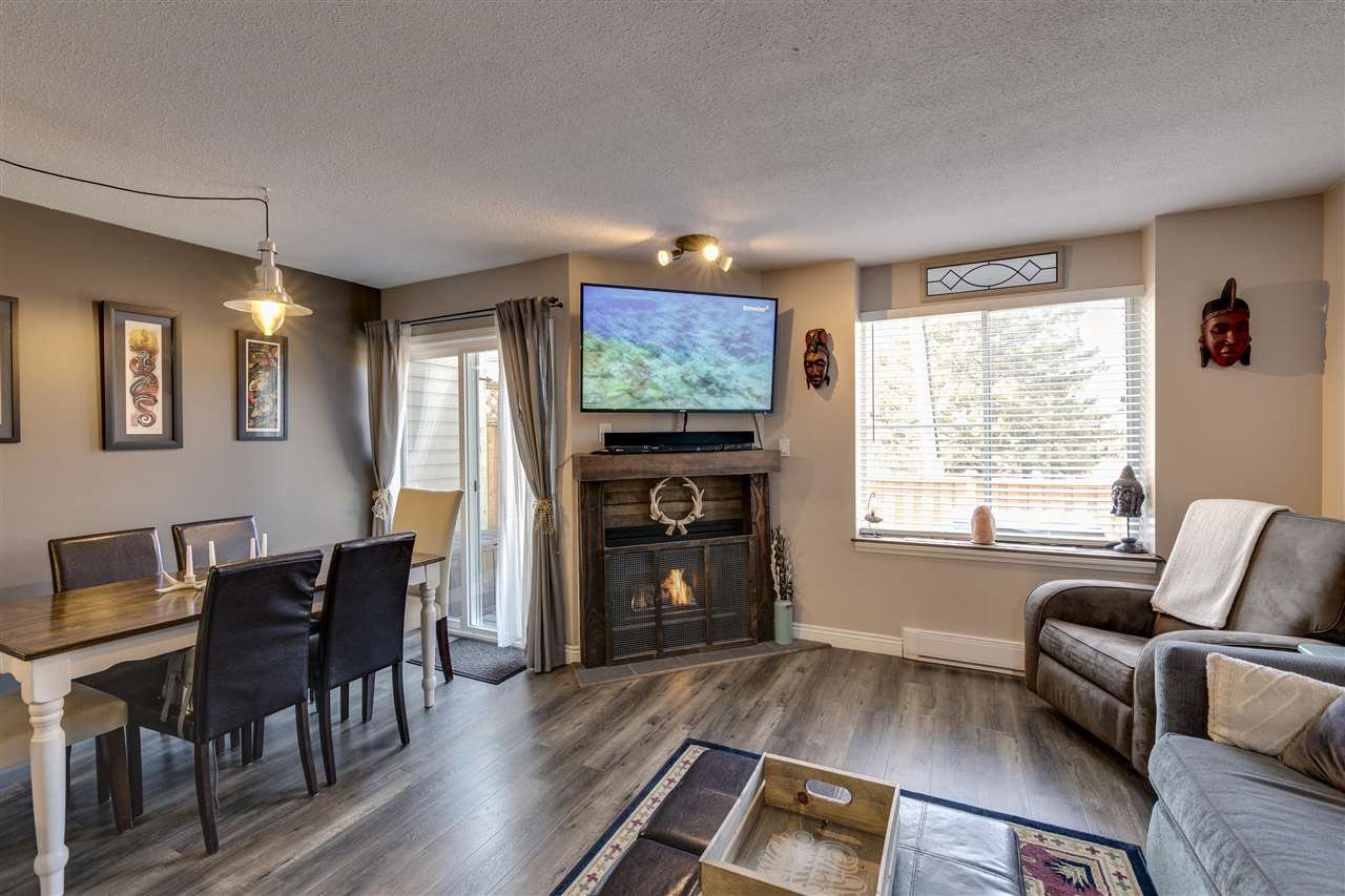 Main Photo: 6 40200 GOVERNMENT Road in Squamish: Garibaldi Estates Townhouse for sale : MLS®# R2351241