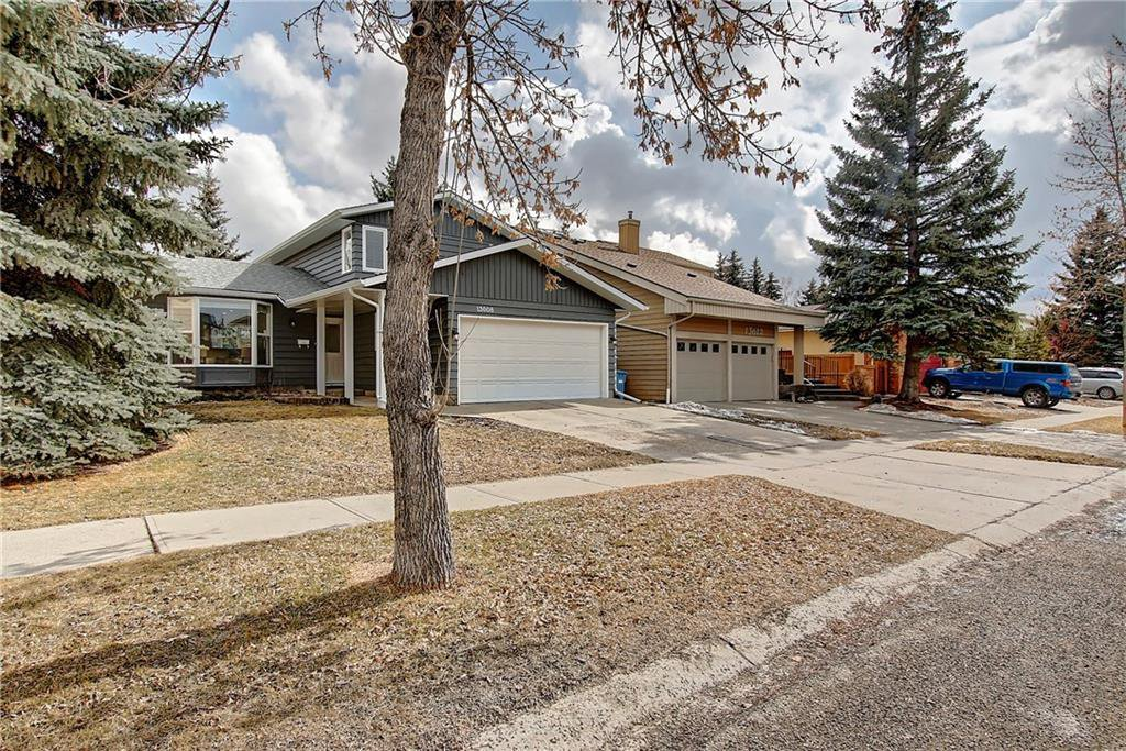 Main Photo: 13608 DEER RUN Boulevard SE in Calgary: Deer Run Detached for sale : MLS®# C4235828