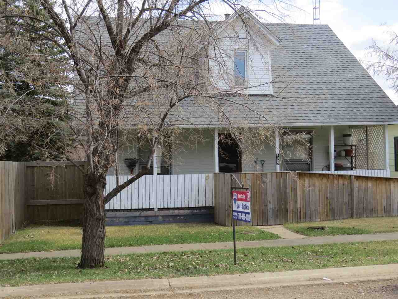 Main Photo: 4907 51 Street: Lougheed House for sale : MLS®# E4154429