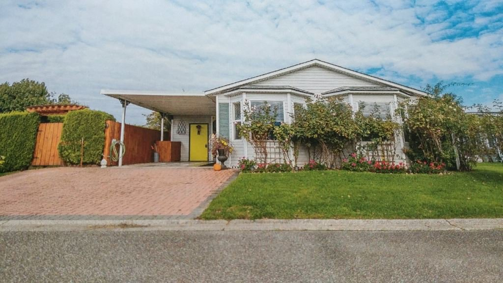 """Main Photo: 108 45918 KNIGHT Road in Chilliwack: Sardis East Vedder Rd House for sale in """"COUNTRY PARK VILLAGE"""" (Sardis)  : MLS®# R2449006"""