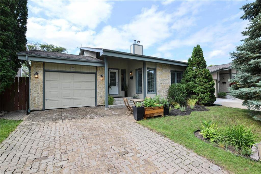 Main Photo: 58 Tranquil Bay in Winnipeg: Richmond West Residential for sale (1S)  : MLS®# 202021442