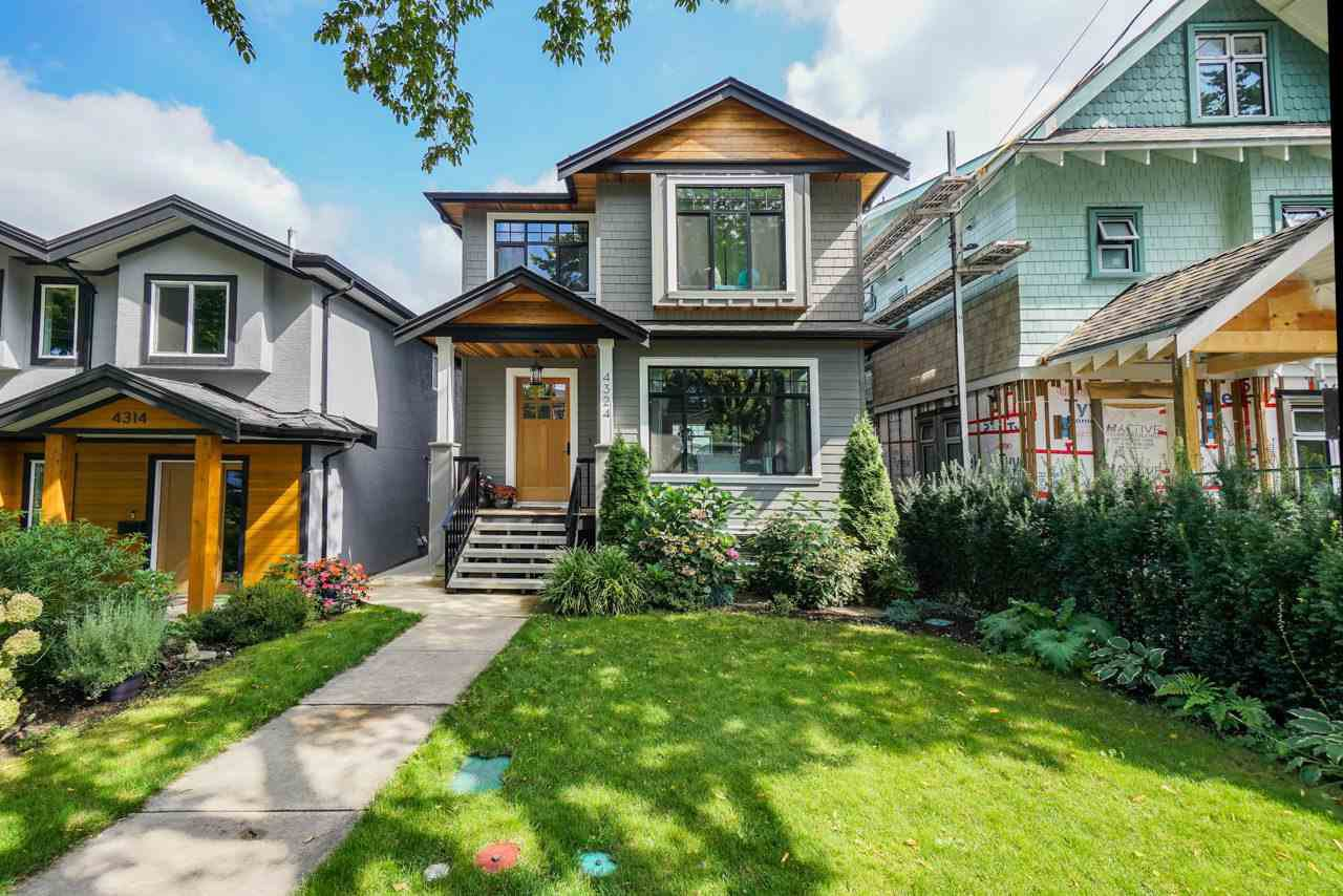 Main Photo: 4324 PRINCE EDWARD Street in Vancouver: Fraser VE House for sale (Vancouver East)  : MLS®# R2494935