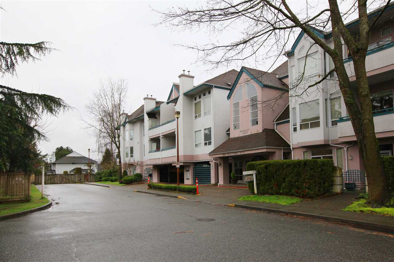 Main Photo: 201 7500 ABERCROMBIE Drive in Richmond: Brighouse South Townhouse for sale : MLS®# R2521430
