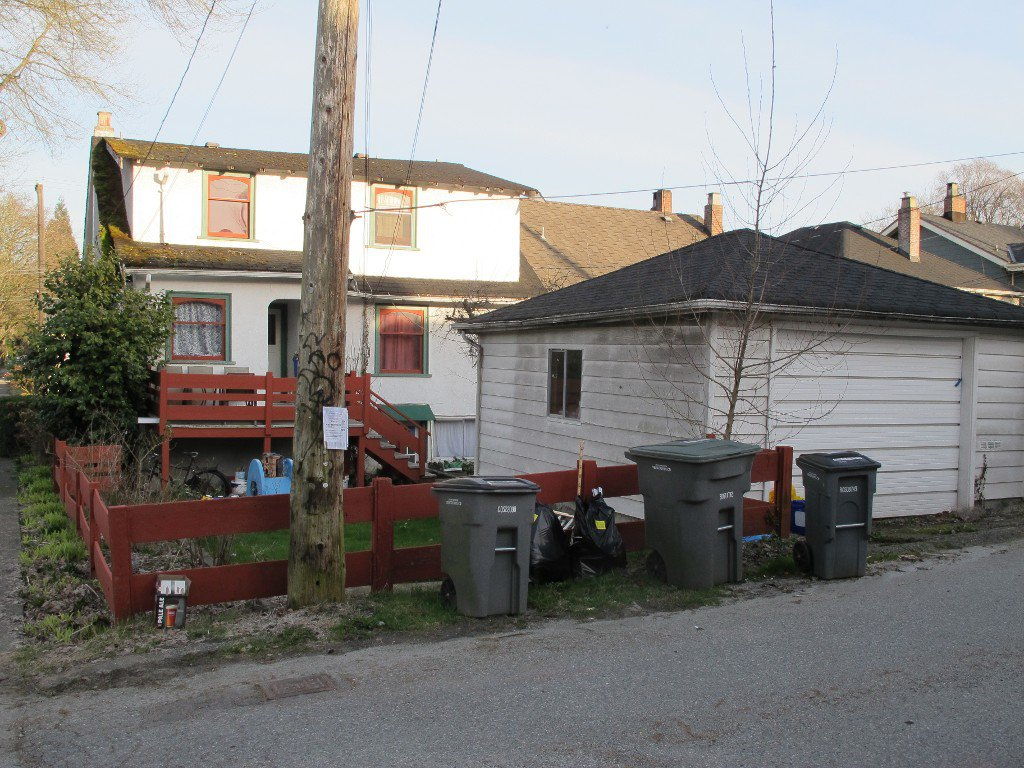 Photo 3: Photos: 2707 Alma Street in Vancouver: Point Grey House for sale (Vancouver West)