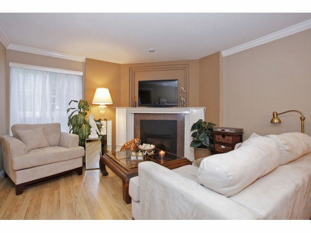 "Photo 9: Photos: 106 2229 152ND Street in Surrey: Sunnyside Park Surrey Condo for sale in ""Semiahmoo Court"" (South Surrey White Rock)  : MLS®# F1322307"