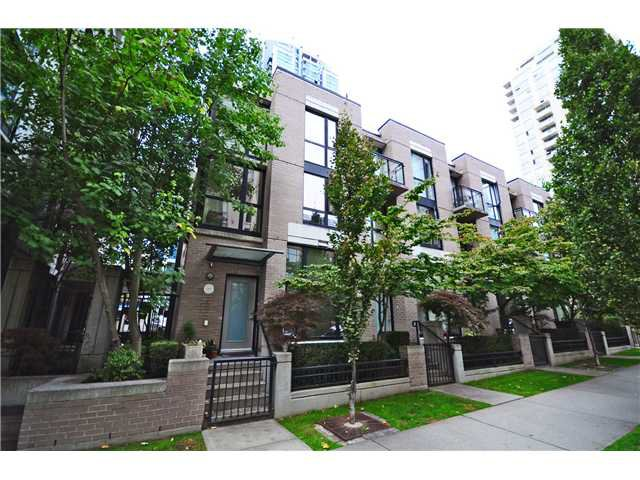 """Main Photo: 1271 RICHARDS ST in Vancouver: Downtown VW Townhouse for sale in """"Oscar"""" (Vancouver West)  : MLS®# V1030105"""