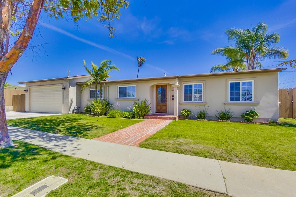 Main Photo: SAN DIEGO House for sale : 4 bedrooms : 3303 Hopi Place Pl
