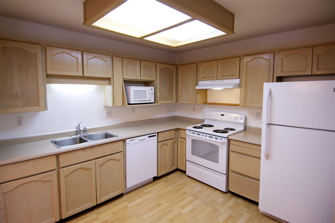 "Main Photo: 110 8600 LANSDOWNE Road in Richmond: Brighouse Condo for sale in ""TIFFANY GARDENS"" : MLS®# R2024091"