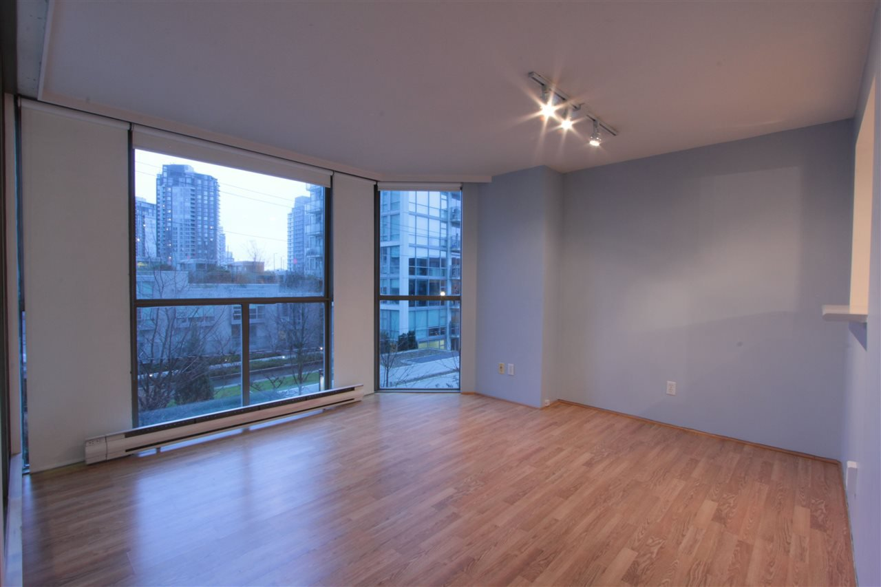 "Main Photo: 302 888 PACIFIC Street in Vancouver: Yaletown Condo for sale in ""PACIFIC PROMENADE"" (Vancouver West)  : MLS®# R2030270"