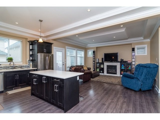"""Photo 8: Photos: 21167 77A Avenue in Langley: Willoughby Heights House for sale in """"YORKSON SOUTH"""" : MLS®# R2032581"""
