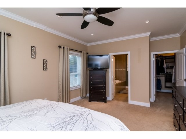 """Photo 10: Photos: 21167 77A Avenue in Langley: Willoughby Heights House for sale in """"YORKSON SOUTH"""" : MLS®# R2032581"""