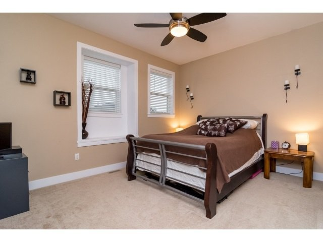 """Photo 13: Photos: 21167 77A Avenue in Langley: Willoughby Heights House for sale in """"YORKSON SOUTH"""" : MLS®# R2032581"""