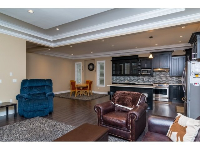 """Photo 5: Photos: 21167 77A Avenue in Langley: Willoughby Heights House for sale in """"YORKSON SOUTH"""" : MLS®# R2032581"""