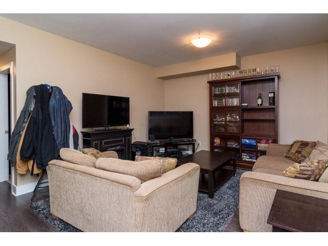 """Photo 16: Photos: 21167 77A Avenue in Langley: Willoughby Heights House for sale in """"YORKSON SOUTH"""" : MLS®# R2032581"""