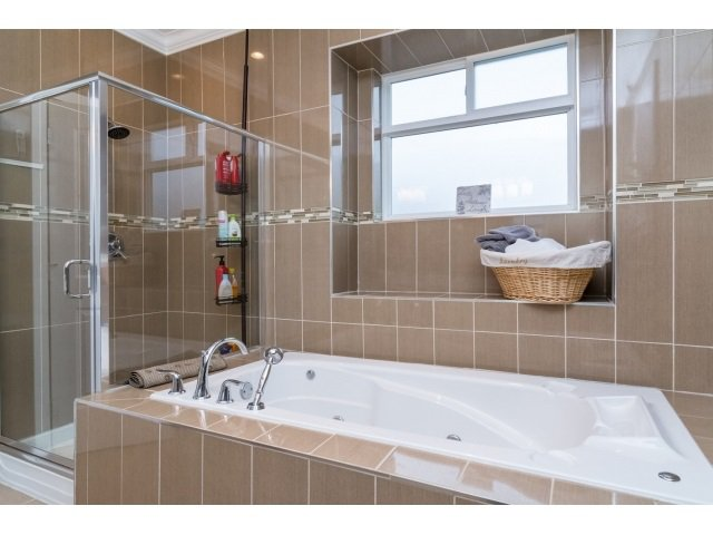 """Photo 12: Photos: 21167 77A Avenue in Langley: Willoughby Heights House for sale in """"YORKSON SOUTH"""" : MLS®# R2032581"""