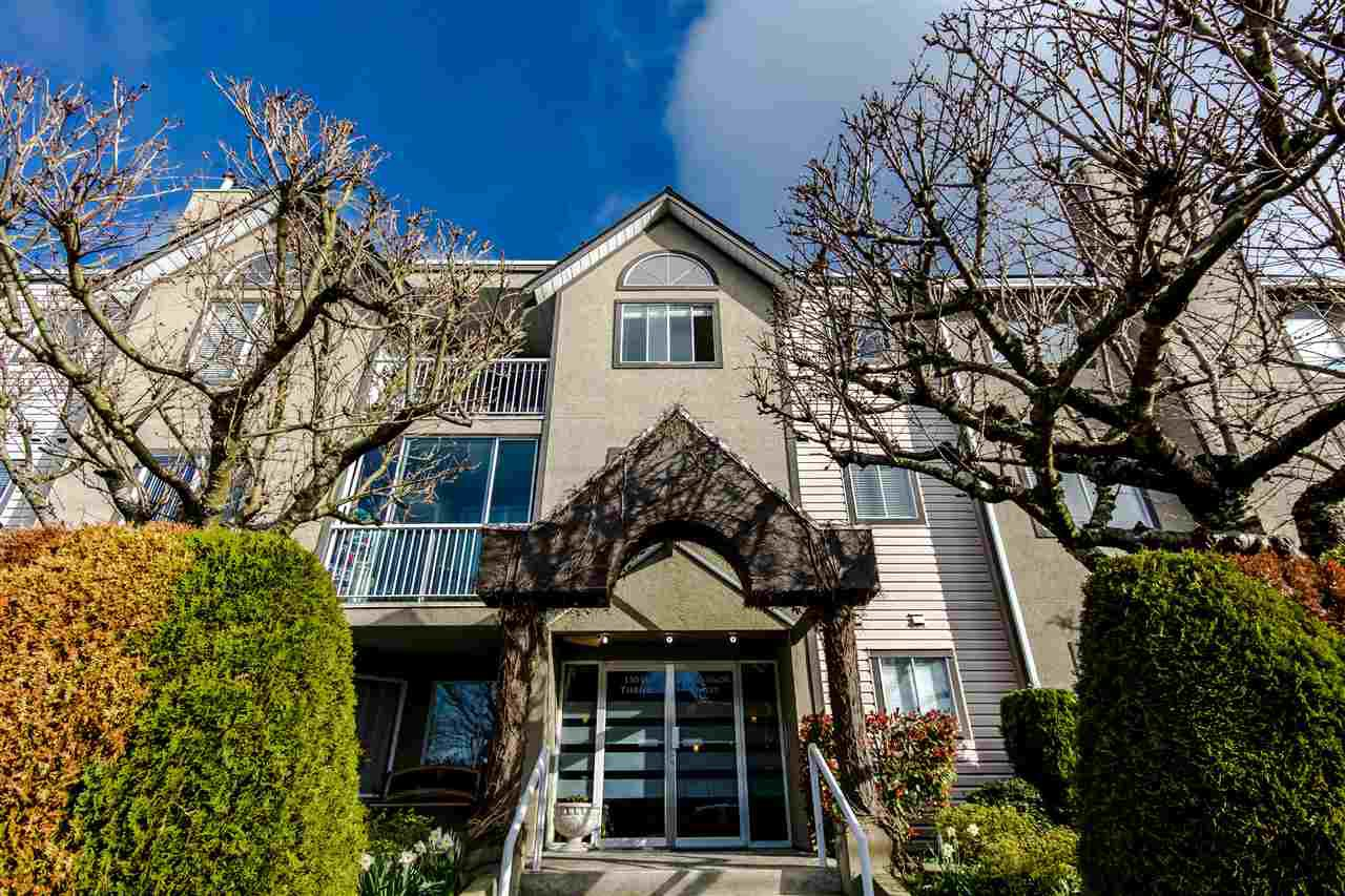 "Main Photo: 204 15035 THRIFT Avenue: White Rock Condo for sale in ""Grosvenor Court"" (South Surrey White Rock)  : MLS®# R2070999"