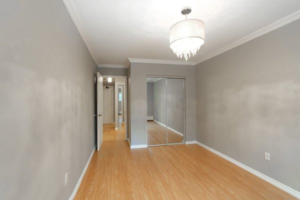 "Main Photo: 114 200 WESTHILL Place in Port Moody: College Park PM Condo for sale in ""WESTHILL PLACE"" : MLS®# R2145634"