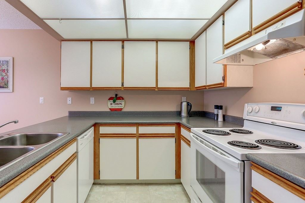 """Photo 8: Photos: 63 1195 FALCON Drive in Coquitlam: Eagle Ridge CQ Townhouse for sale in """"THE COURTYARDS"""" : MLS®# R2148279"""