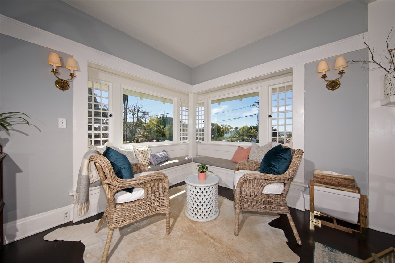 Photo 10: Photos: DOWNTOWN House for sale : 5 bedrooms : 2257 Front in San Diego