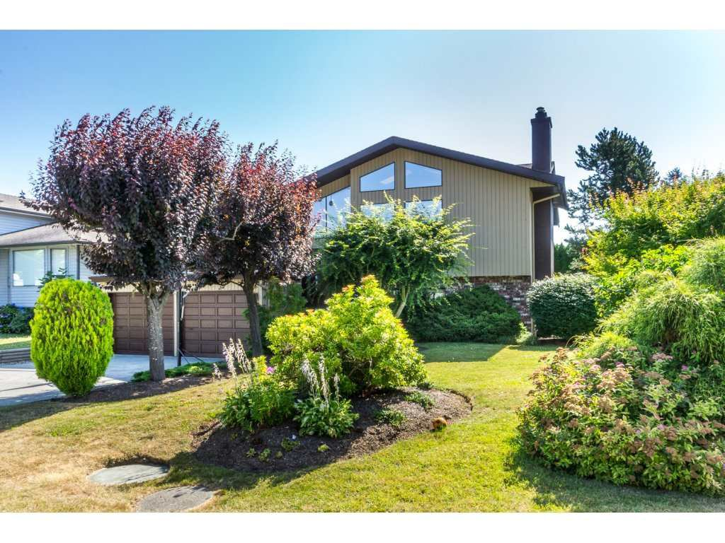 Main Photo: 3626 NICOLA Street in Abbotsford: Central Abbotsford House for sale : MLS®# R2186747