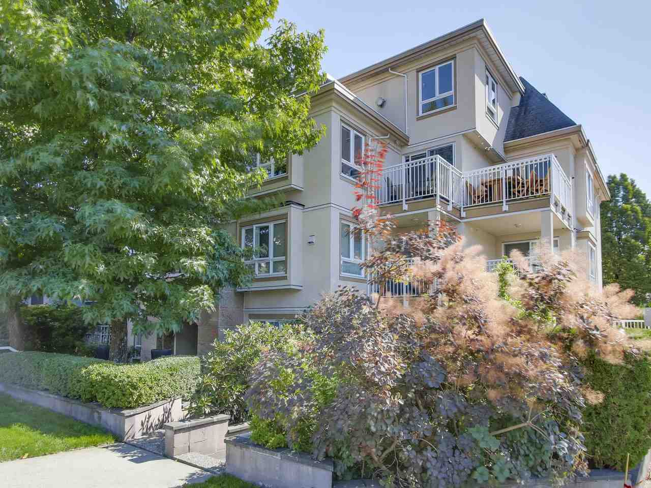 """Main Photo: 401 228 E 14TH Avenue in Vancouver: Mount Pleasant VE Condo for sale in """"DeVa"""" (Vancouver East)  : MLS®# R2207706"""
