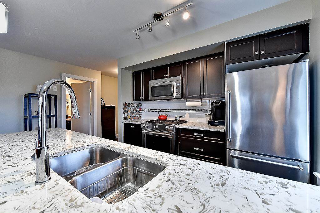 """Photo 11: Photos: 301 4815 55B Street in Delta: Hawthorne Condo for sale in """"The Pointe"""" (Ladner)  : MLS®# R2251107"""