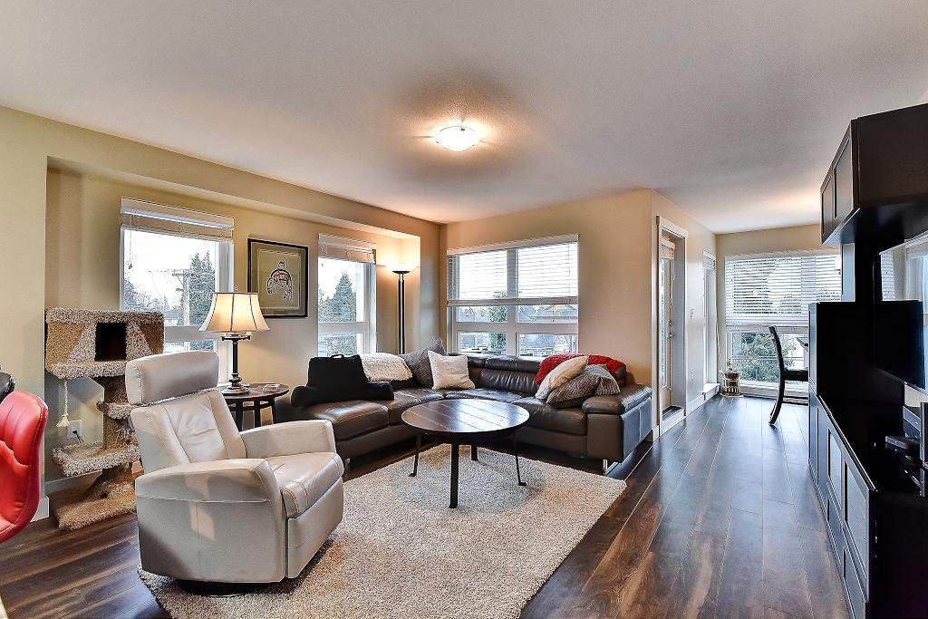 """Photo 9: Photos: 301 4815 55B Street in Delta: Hawthorne Condo for sale in """"The Pointe"""" (Ladner)  : MLS®# R2251107"""