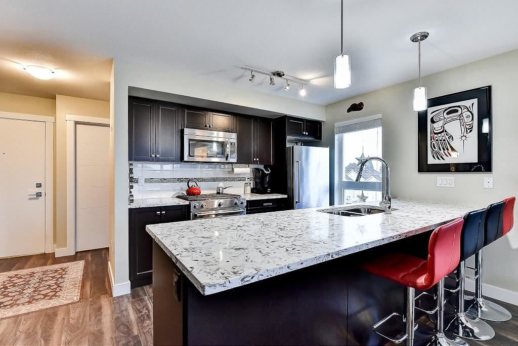 """Photo 13: Photos: 301 4815 55B Street in Delta: Hawthorne Condo for sale in """"The Pointe"""" (Ladner)  : MLS®# R2251107"""