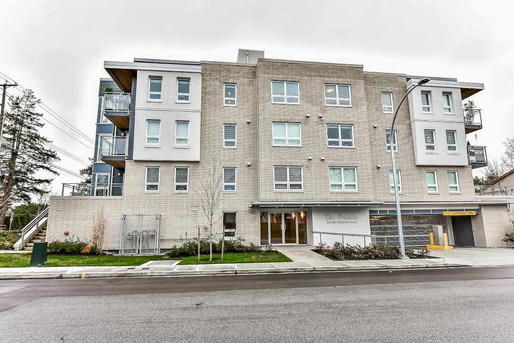 """Photo 3: Photos: 301 4815 55B Street in Delta: Hawthorne Condo for sale in """"The Pointe"""" (Ladner)  : MLS®# R2251107"""