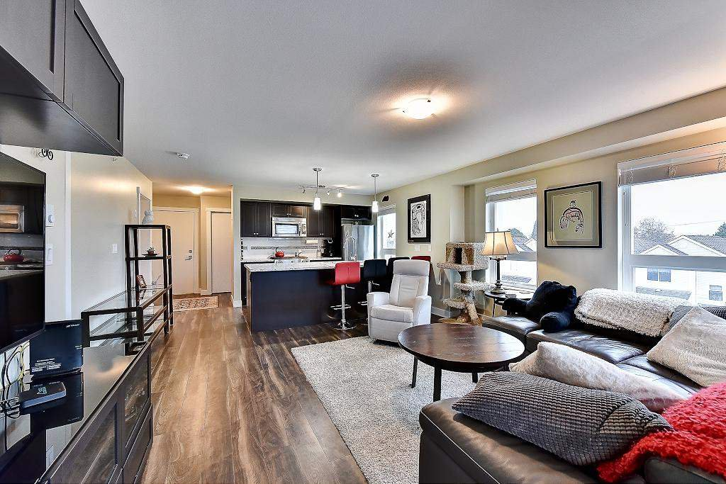 """Photo 8: Photos: 301 4815 55B Street in Delta: Hawthorne Condo for sale in """"The Pointe"""" (Ladner)  : MLS®# R2251107"""