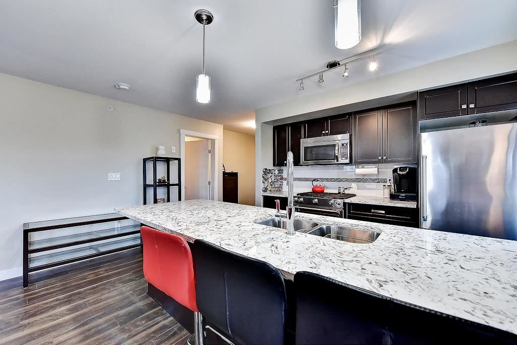 """Photo 12: Photos: 301 4815 55B Street in Delta: Hawthorne Condo for sale in """"The Pointe"""" (Ladner)  : MLS®# R2251107"""