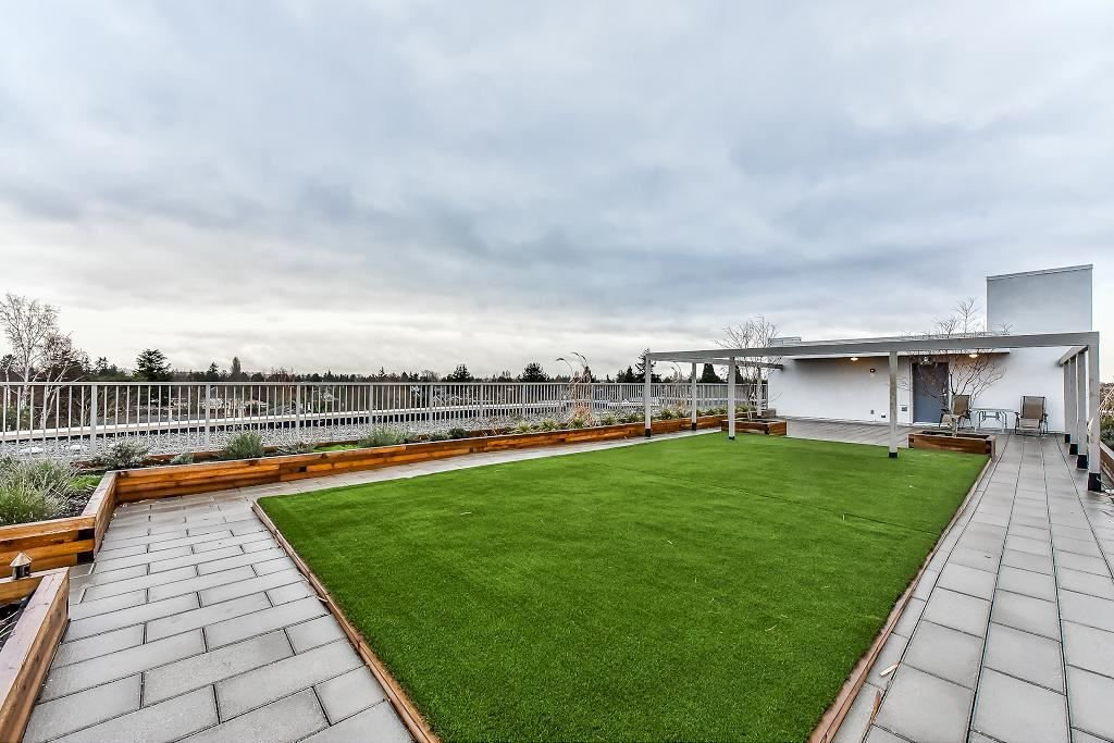 """Photo 6: Photos: 301 4815 55B Street in Delta: Hawthorne Condo for sale in """"The Pointe"""" (Ladner)  : MLS®# R2251107"""