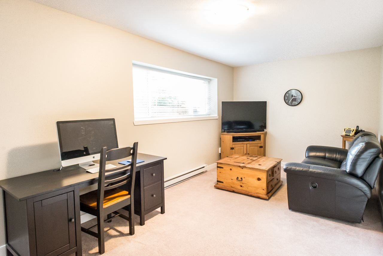 """Photo 11: Photos: 19 6036 164 Street in Surrey: Cloverdale BC Townhouse for sale in """"Arbour Village"""" (Cloverdale)  : MLS®# R2278844"""
