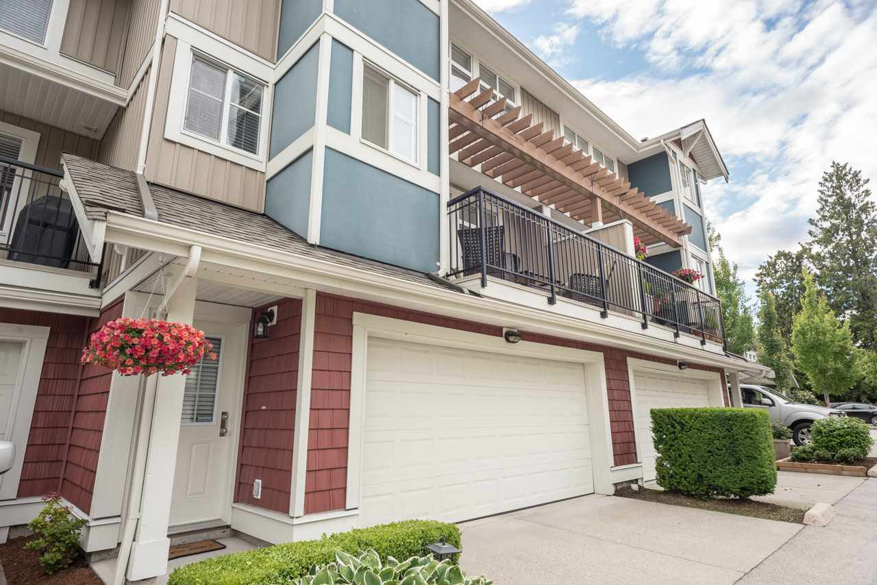 """Photo 2: Photos: 19 6036 164 Street in Surrey: Cloverdale BC Townhouse for sale in """"Arbour Village"""" (Cloverdale)  : MLS®# R2278844"""