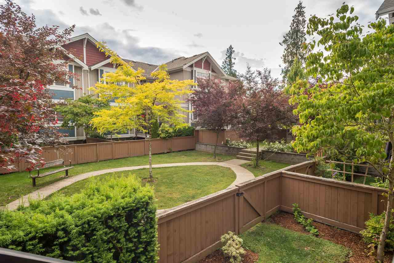 """Photo 12: Photos: 19 6036 164 Street in Surrey: Cloverdale BC Townhouse for sale in """"Arbour Village"""" (Cloverdale)  : MLS®# R2278844"""
