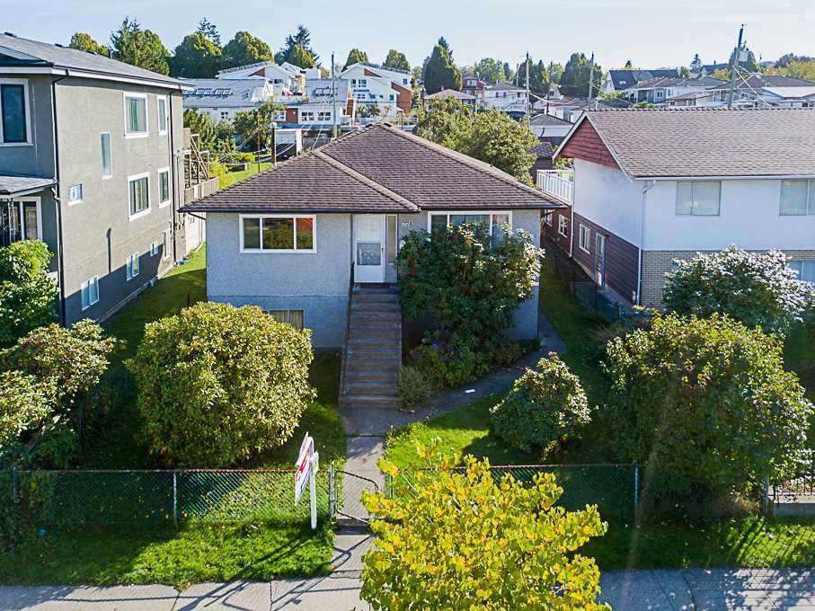 Main Photo: 1728 E 32ND Avenue in Vancouver: Victoria VE House for sale (Vancouver East)  : MLS®# R2326460