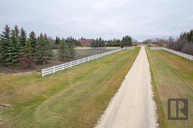Main Photo: 74152 212 Highway in St Clements: Highland Glen Residential for sale (R02)  : MLS®# 1902393