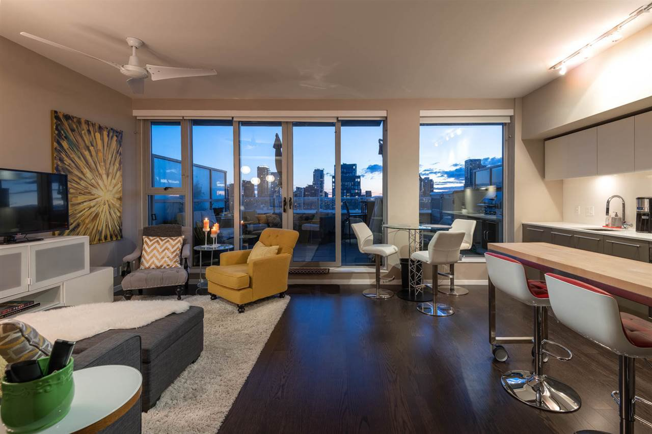 """Main Photo: 2504 999 SEYMOUR Street in Vancouver: Downtown VW Condo for sale in """"999 Seymour"""" (Vancouver West)  : MLS®# R2350714"""
