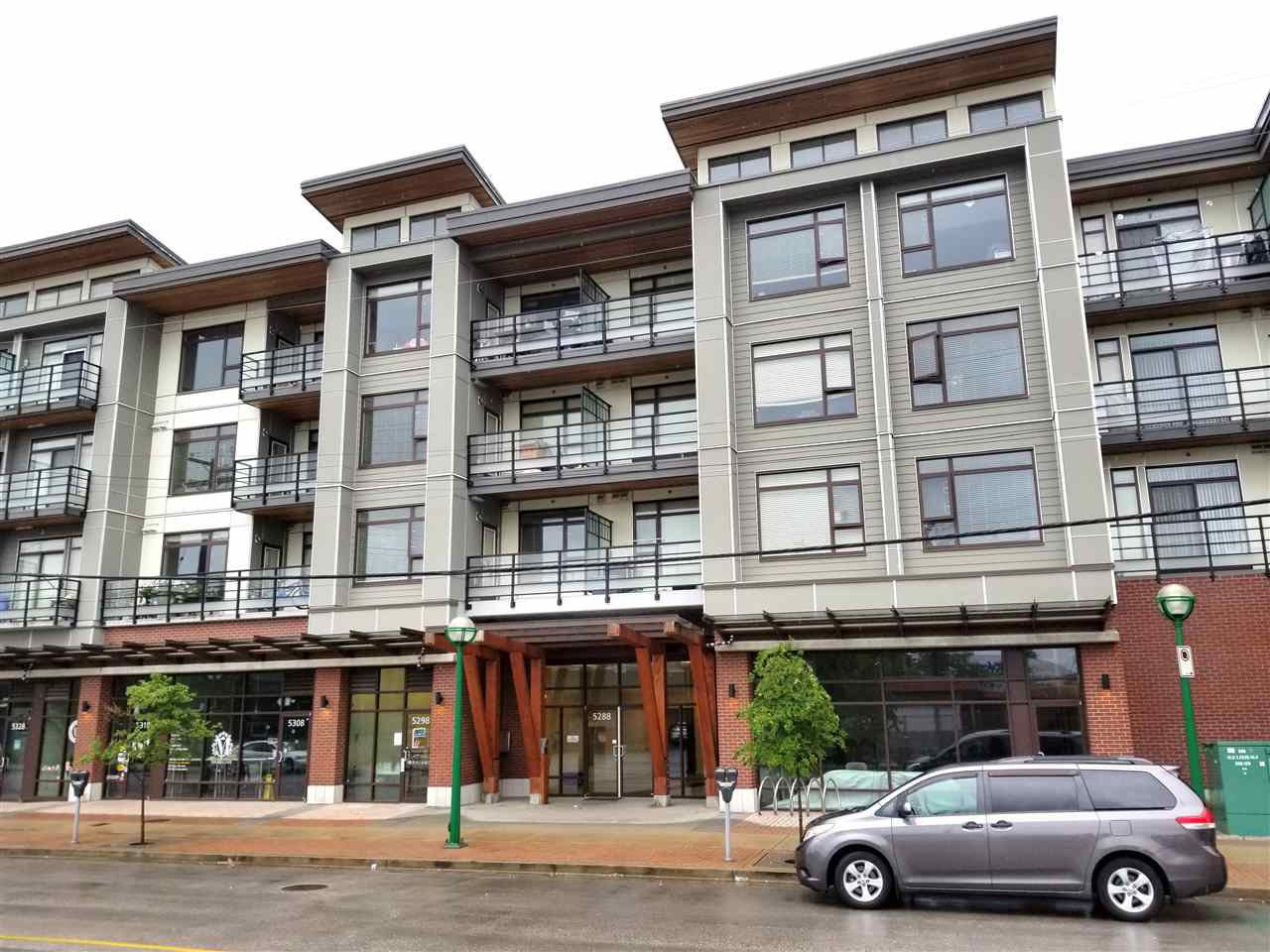 """Main Photo: 321 5288 GRIMMER Street in Burnaby: Metrotown Condo for sale in """"METRO2"""" (Burnaby South)  : MLS®# R2368430"""