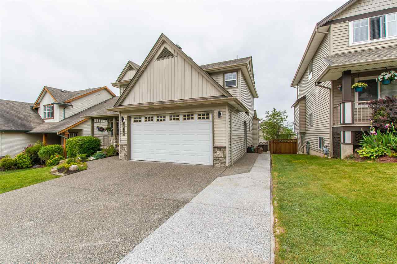 Main Photo: 46449 FETTERLY Place in Sardis: Promontory House for sale : MLS®# R2369662