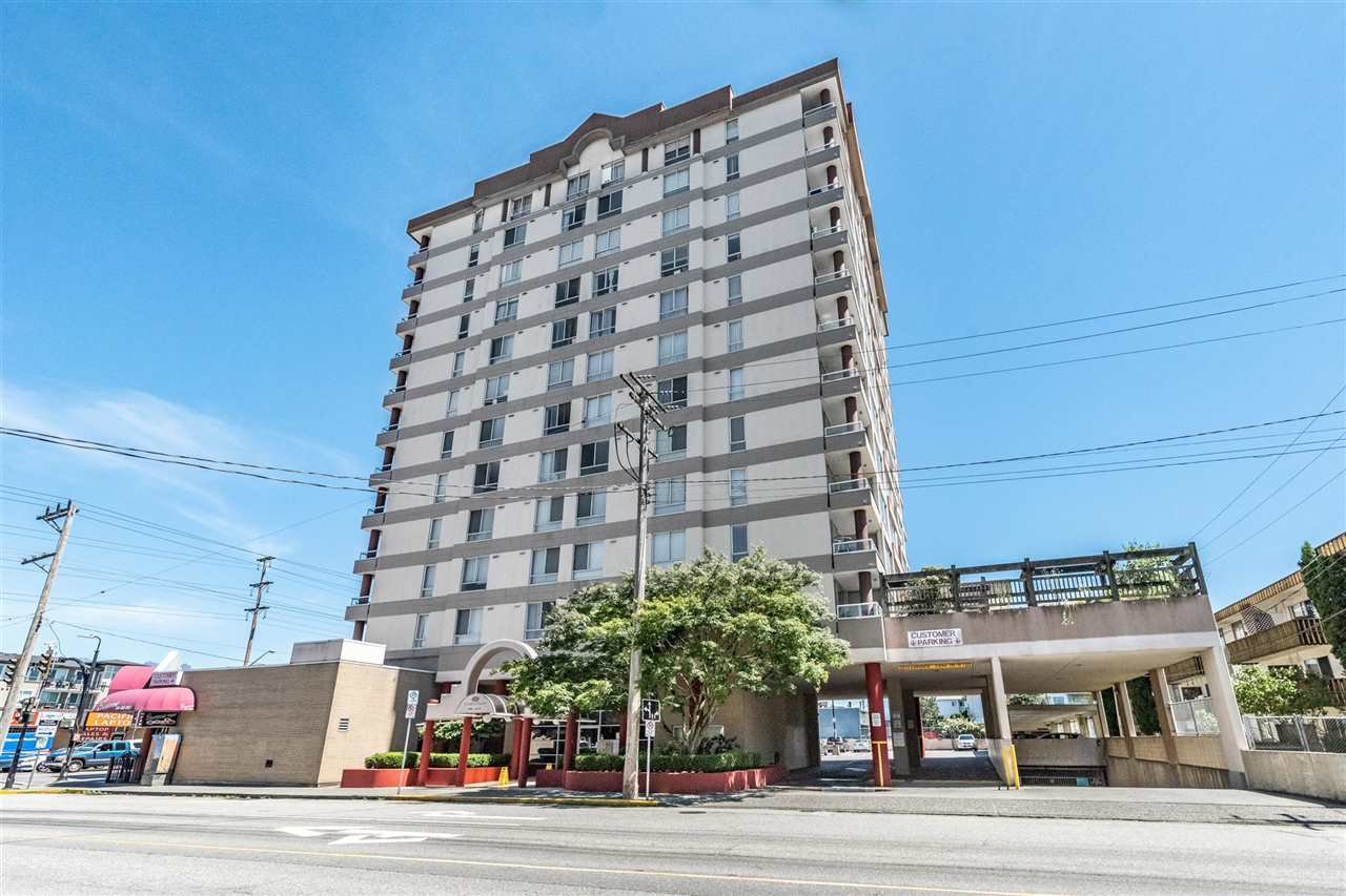 "Main Photo: 1206 11980 222 Street in Maple Ridge: West Central Condo for sale in ""GORDON TOWERS PENTHOUSE"" : MLS®# R2378502"