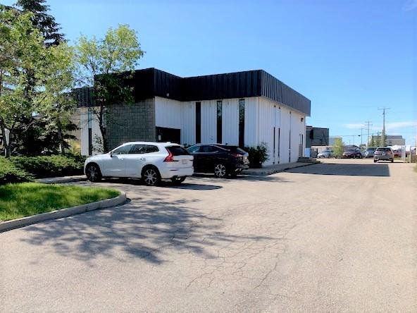 Main Photo: 725 EAST LAKE Rise NE: Airdrie Industrial for sale : MLS®# A1032031