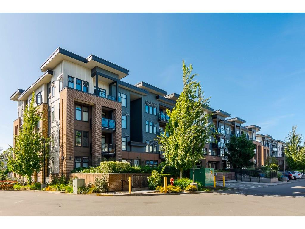 """Main Photo: 305 20062 FRASER Highway in Langley: Langley City Condo for sale in """"VARSITY"""" : MLS®# R2508491"""
