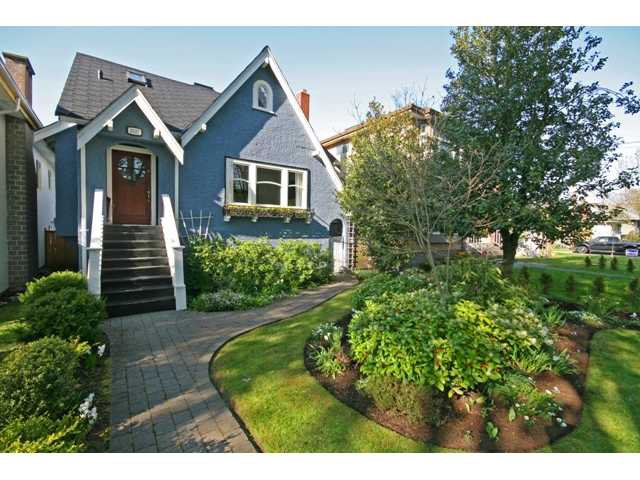 Main Photo: 3327 W 14TH Avenue in Vancouver: Kitsilano House for sale (Vancouver West)  : MLS®# V888957